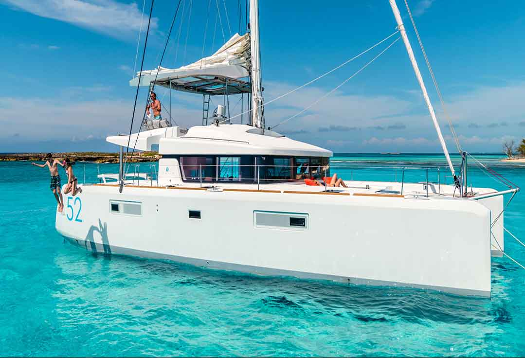 Couples enjoying their vacation with their key west boat rentals catamaran rental.