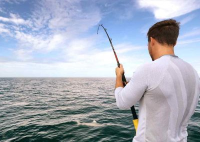 man fights shark with key west flats fishing